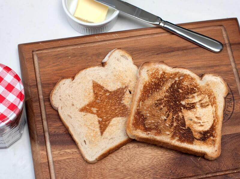PhotoFunia toast